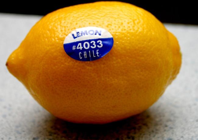 Le-ai vazut pe fructe, insa sigur nu stiai ce inseamna! Invata sa citesti etichetele!