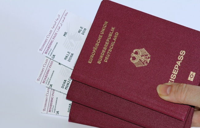 Exista doar patru culori de pasaport in lume! Uite ce semnifica fiecare!